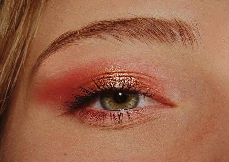 make-eyes-area-wrinkle-free
